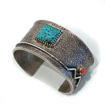 Tufa Cast Cuff with Mountain Design